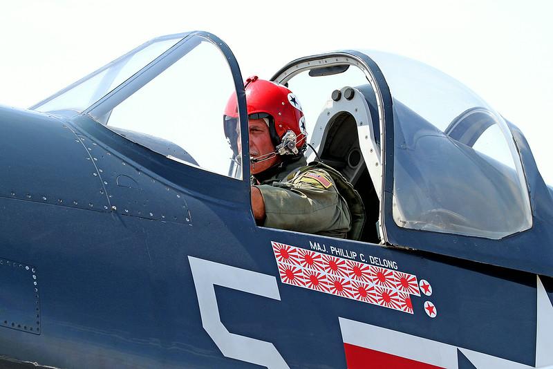 Doug Folk in the Chance-Vought F4U-4 Corsair at the 2014 Quad City Air Show