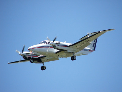 VH-FDZ RFDS BEECH-200 KING AIR