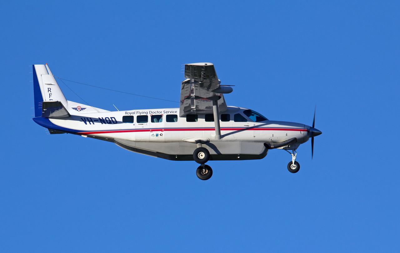 VH-NQD RFDS CESSNA-208