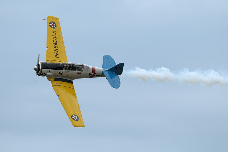 "North American SNJ-6 ""Texan"" doing a fly-by"