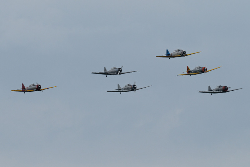 "Flock of North American SNJ ""Texans"" in diamond formation"