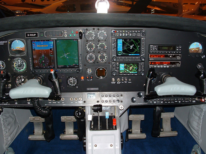 The Commander is a seriously capable IFR machine. G-OOJP has the Garmin 500/600 combination with 'TCAS', Stormscope, Synthetic Vision technology, a programmable autopilot and comfy seats...