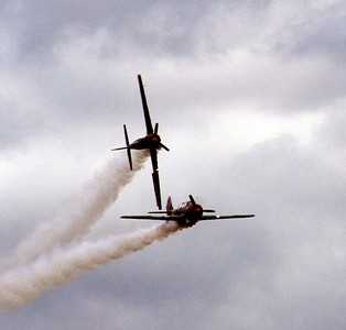 Aerostars perform aerobatic manuevors.