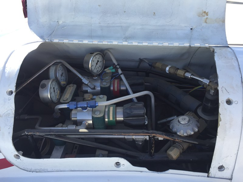 The engine bay contained several valves and regulators for the pressurized fuel and liquid oxygen.