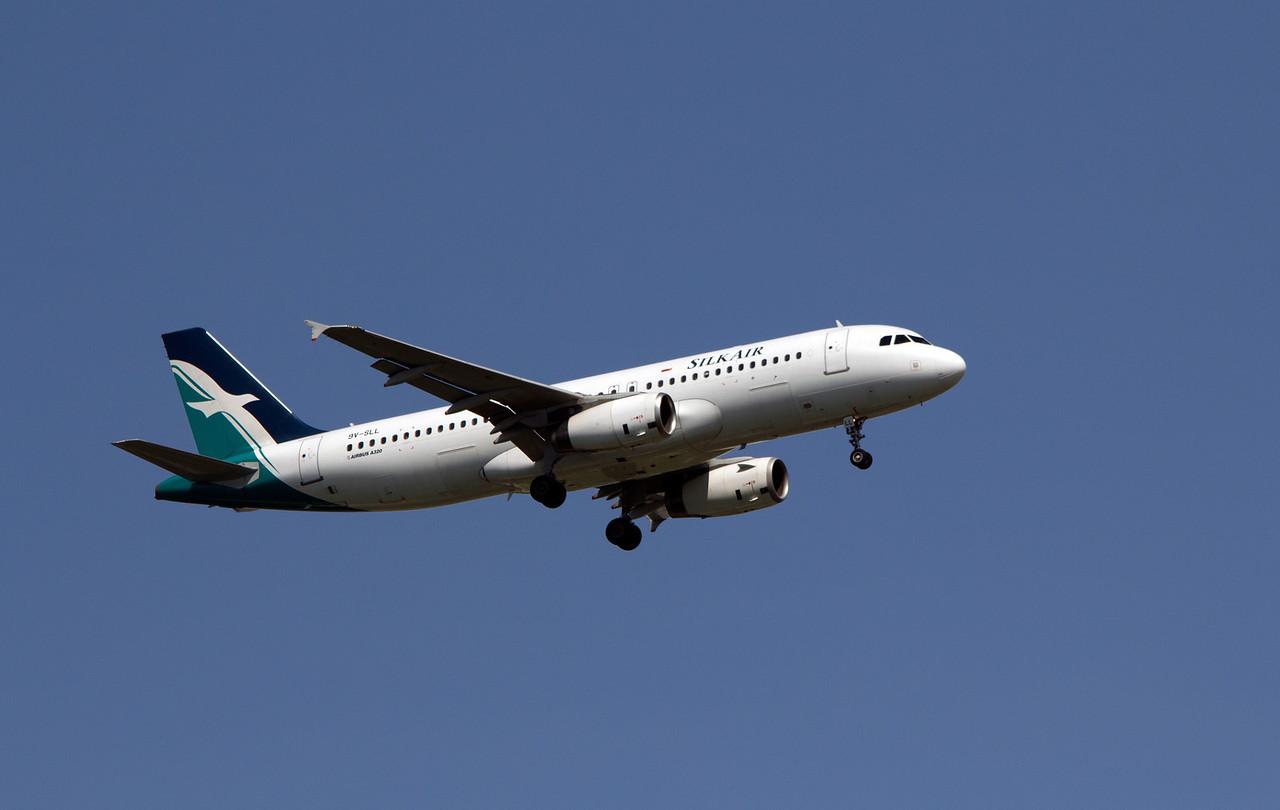 9V-SLL SILK AIR A320