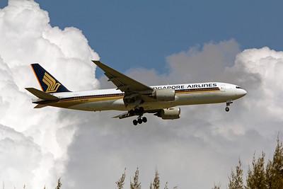 9V-SQF SINGAPORE AIRLINES B777-200