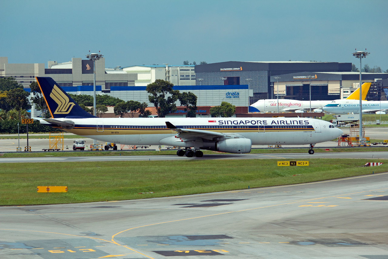 9V-STA SINGAPORE AIRLINES A330-300