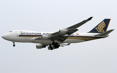 9V-SFF SINGAPORE AIRLINES B747-400F