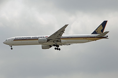 9V-SYK SINGAPORE AIRLINES B777-300