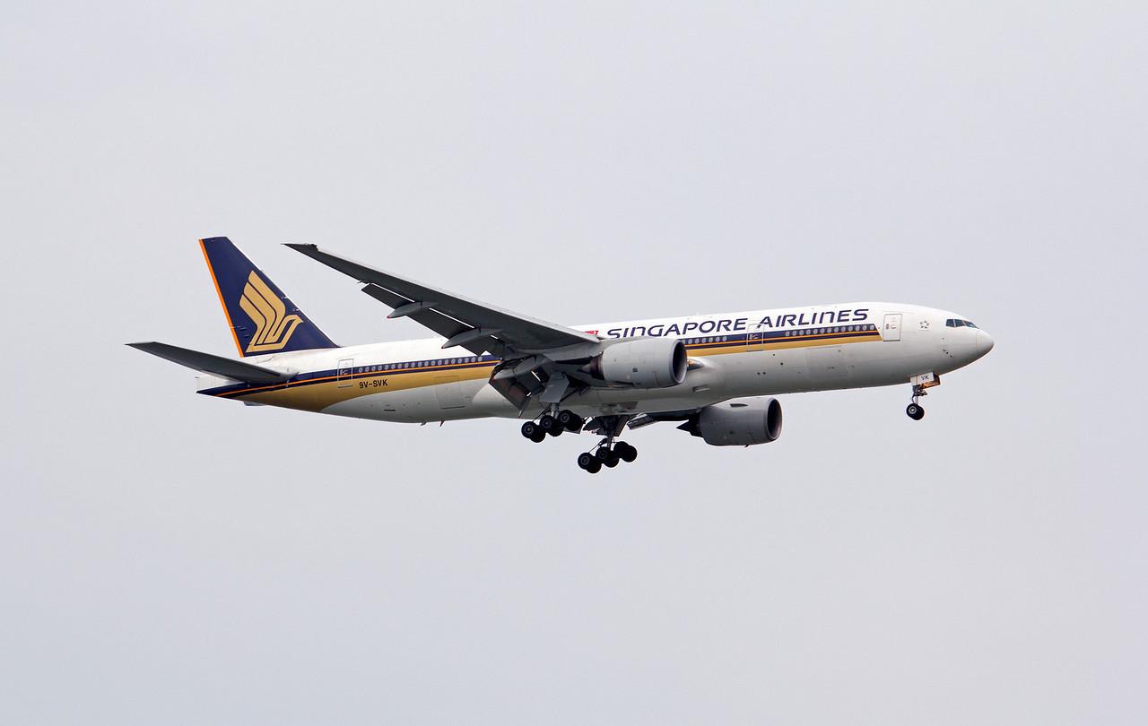 9V-SVK SINGAPORE AIRLINES B777-200