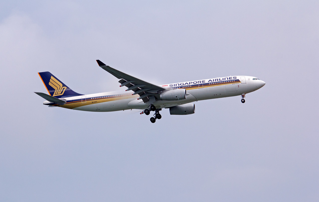9V-STT SINGAPORE AIRLINES A330-300