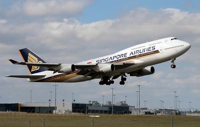 9V-SPO SINGAPORE AIRLINES B747-400