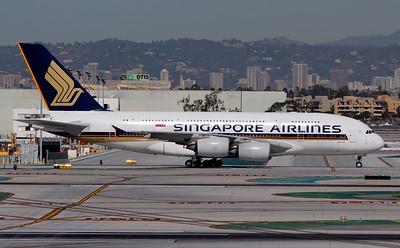 9V-SKN SINGAPORE AIRLINES A380