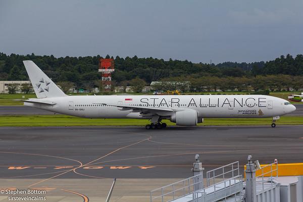 9V-SWJ SINGAPORE AIRLINES B777-300