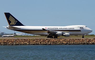 9V-SFJ SINGAPORE CARGO B747-400