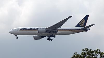 9V-SRK SINGAPORE AIRLINES B777-200