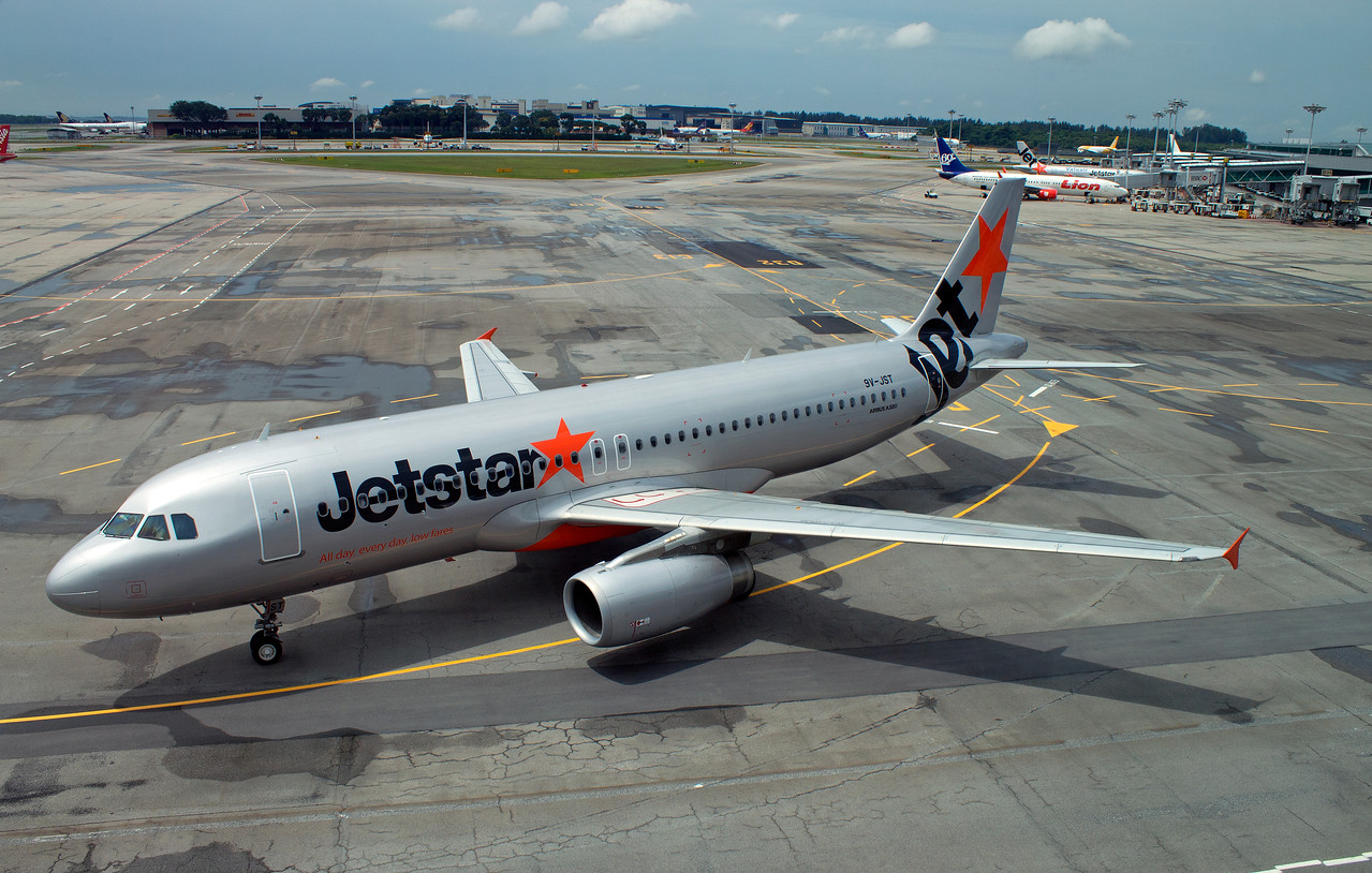 9V-JST JETSTAR A320