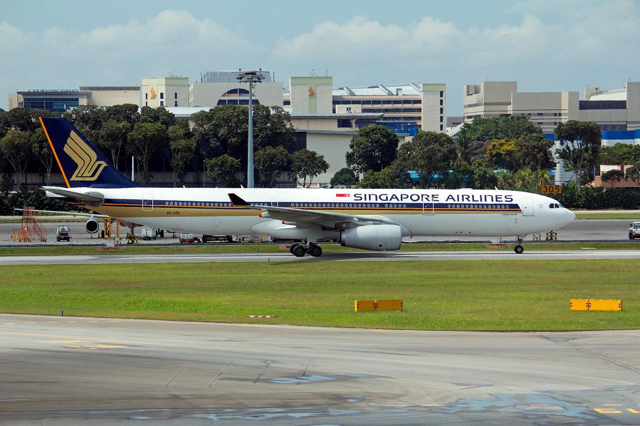 9V-STR SINGAPORE AIRLINES A330-300