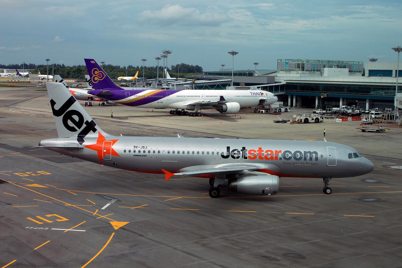 9V-JSJ JETSTAR A320