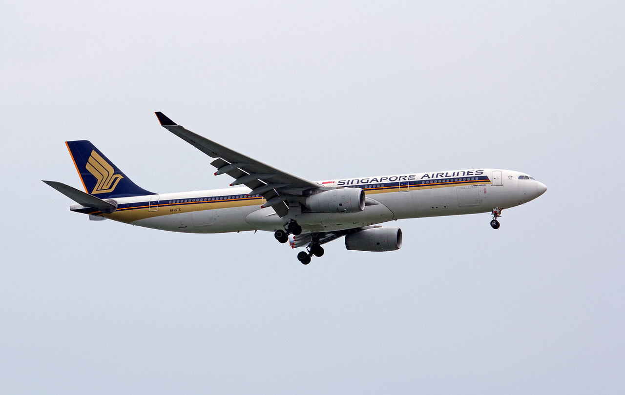 9V-STC SINGAPORE AIRLINES A330-300