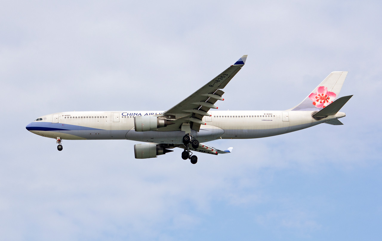 B-18353 CHINA AIRLINES A330-300