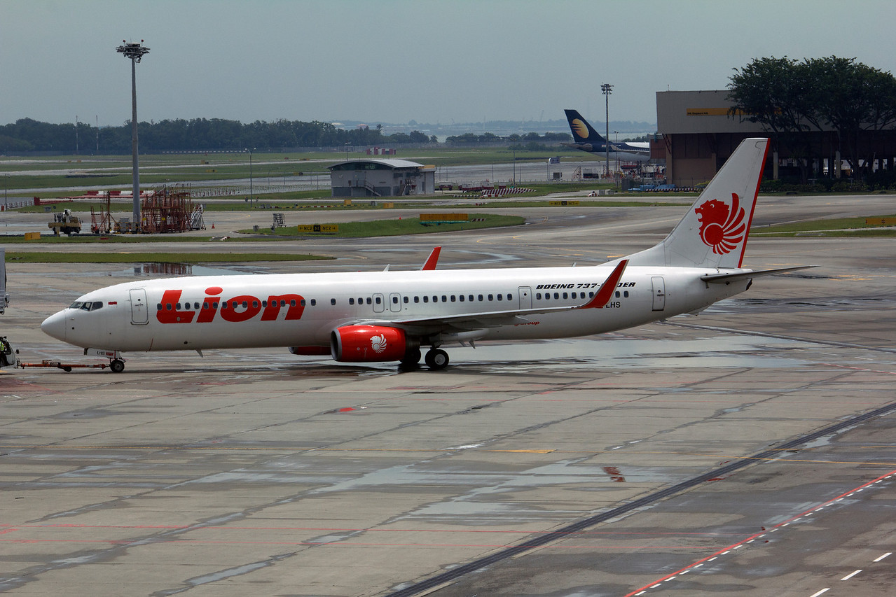PK-LHS LION B737-900