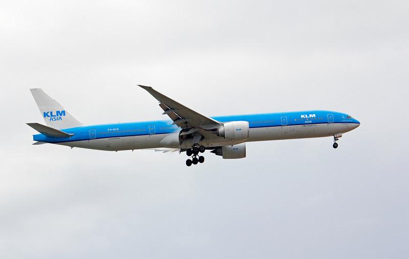 PH-BVB KLM B777-300