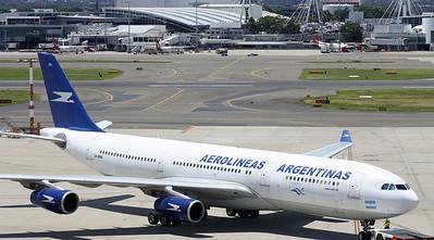 LV-ZRA AEROLINEAS ARGENTINAS A340-200
