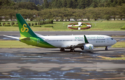 JA01GR SPRING AIRLINES B737-800