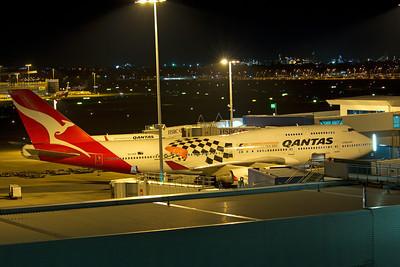 VH-OEB QANTAS B747-400