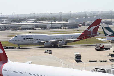 VH-OJH QANTAS 747-400
