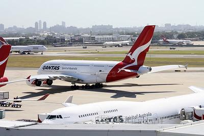 VH-OQA QANTAS A380-800