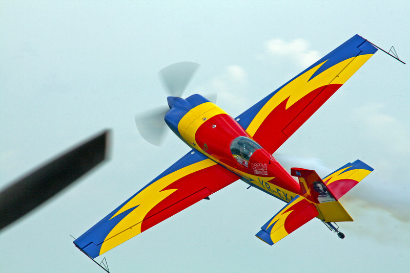 Extra 330SC  - Hawks of Romania <br /> George Rotaru<br /> Clinceni  - 04/06/2011