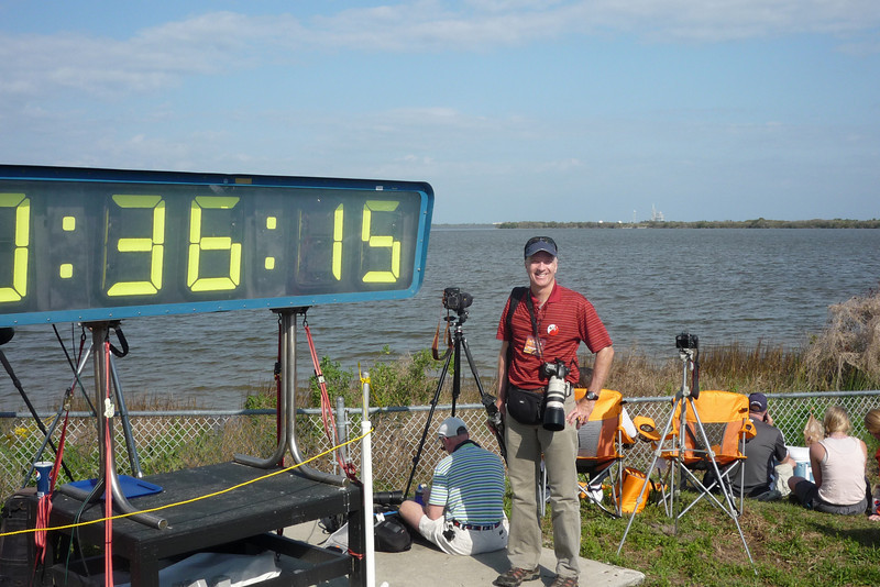 T-00:36:15 and counting.  You can see the launch pad in the background (off my right shoulder), about 3 1/2 miles away.  Do I look much like a tourist?