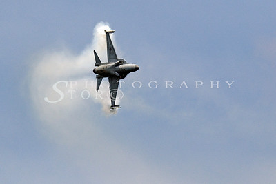 Singapore Airshow 2010. A tight turn