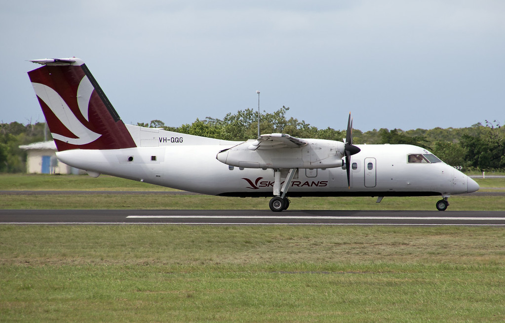 VH-QQG SKYRANS  DASH-8-100  IN ITS RELAUNCHED NEW COLORS .