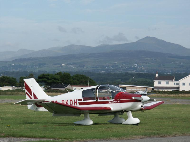 Robin DR.400-120 G-BKDH Caernarfon August 2003