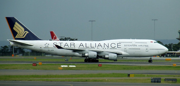 Singapore Airlines Boeing 747-400 9V-SPP Star Alliance
