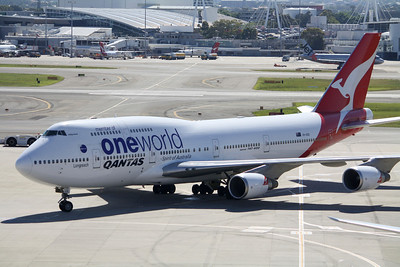 Qantas Boeing 747-400 VH-OEB One World