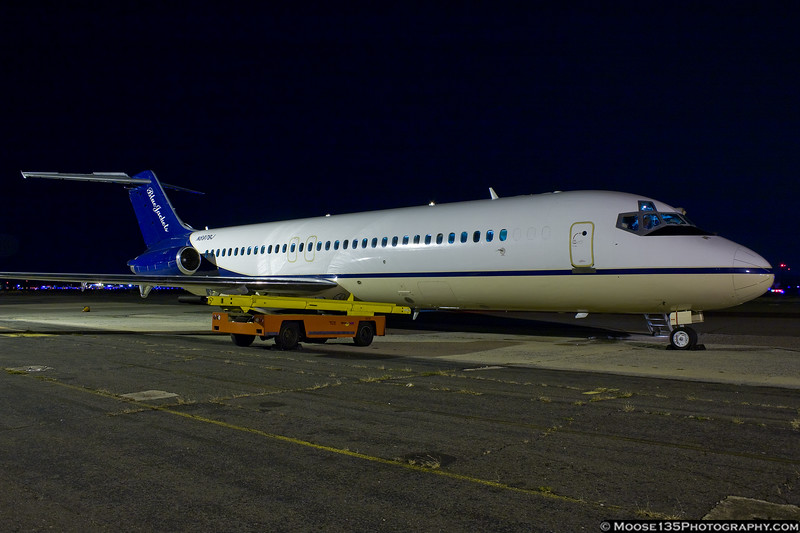 Columbus Blue Jackets DC-9 waits for the team following a game with the Islanders.