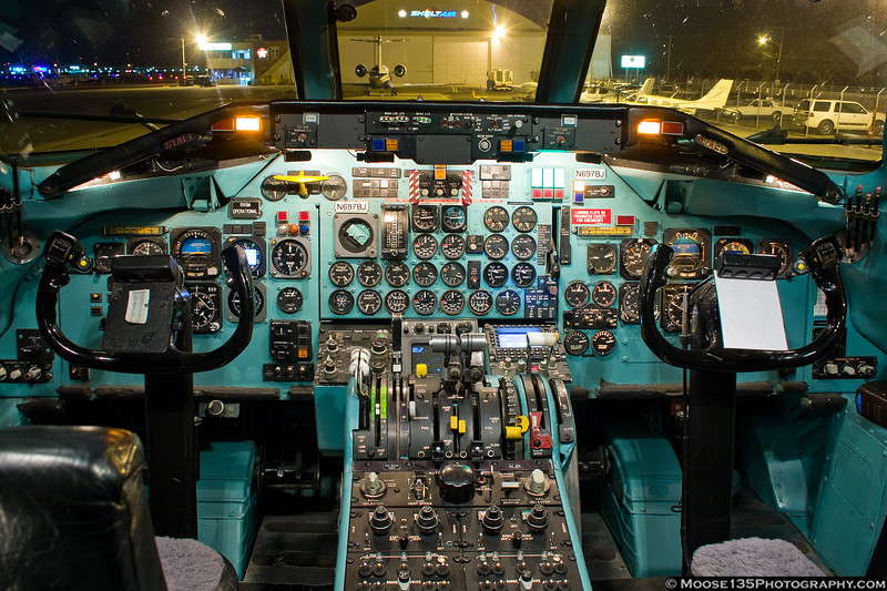Cockpit of the Columbus Blue Jackets DC-9.