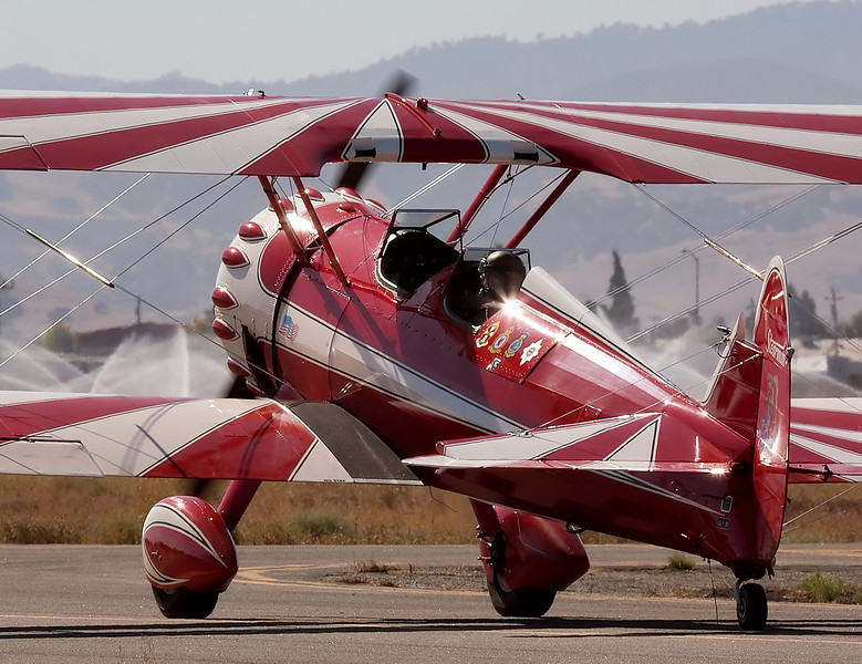 Stearman N450SH on the taxiway at Hollister (KCVH)