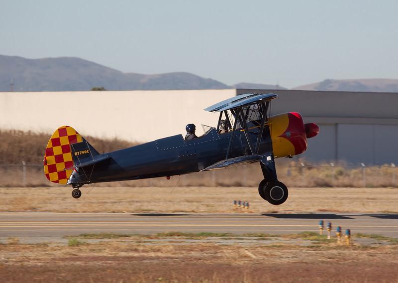 Stearman N7740C landing at Hollister (KCVH)