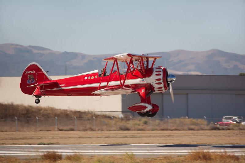 Stearman N450SH landing at Hollister (KCVH)