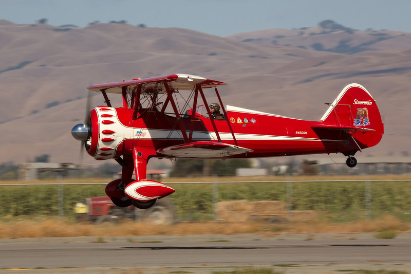 Stearman N450SH landing at Hollister (KCVH)