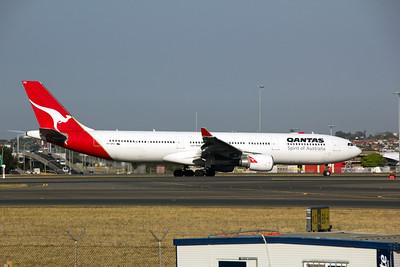VH-QPG Qantas Airbus A330-300