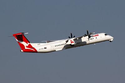 VH-QOX QantasLink Bombardier Dash 8 Q400