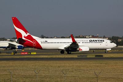 VH-VZM Qantas Boeing 737-800