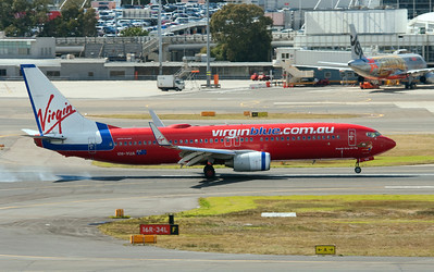 VH-VUA VIRGIN BLUE B737-800