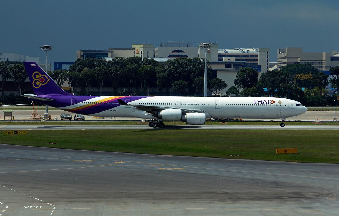 HS-TNA THAI A340-600